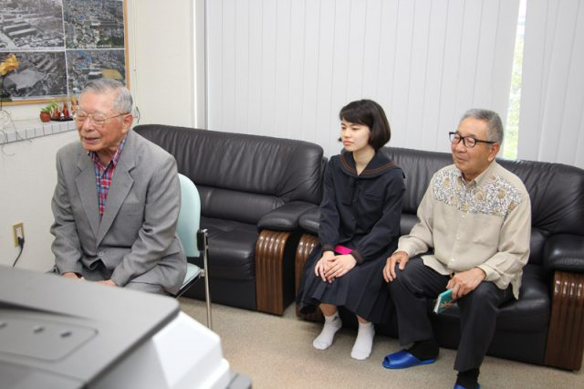 ハワイ短期留学中の新垣亮真君とTV談話