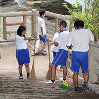 慰霊祭前清掃活動